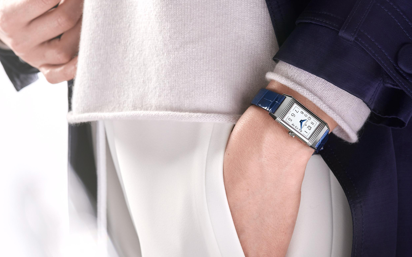 REVERSO ONE 3288420 - feature