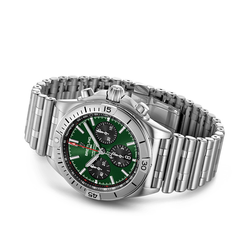 Feature - 2 CHRONOMAT B01 42 BENTLEY AB01343A1L1A1
